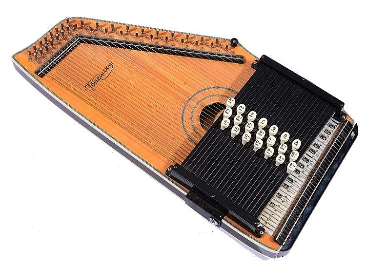 A TONEWOOD 21 BAR AUTOHARP with pickup