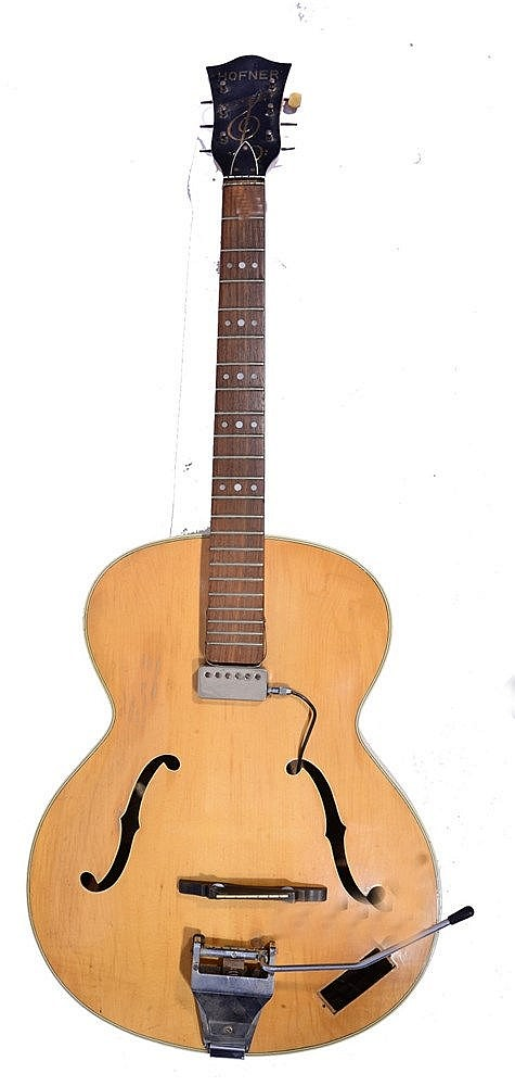A HOFNER SENATOR FINN ELECTRIC ACOUSTIC GUITAR with pale maple body, printe