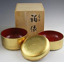 JAPANESE LACQUERED GOLD GILT BENTO BOX