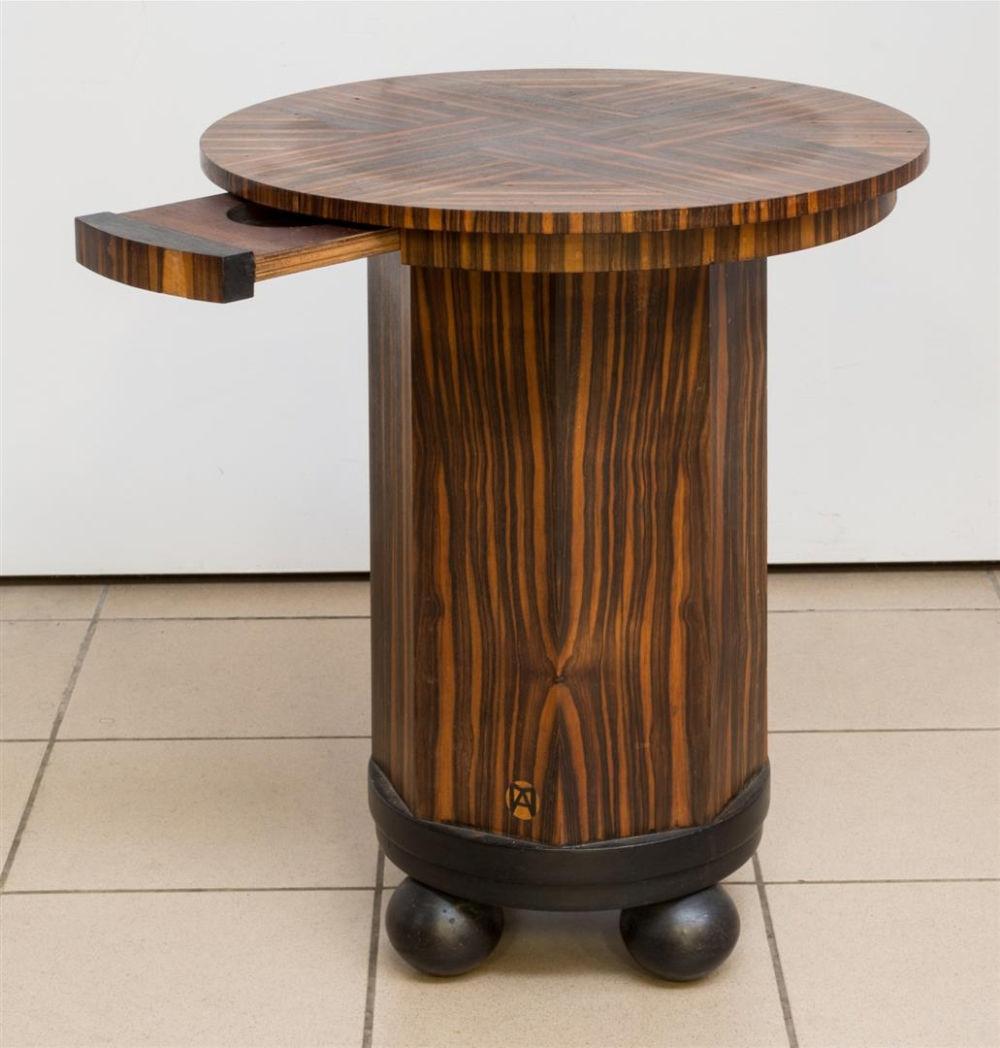 Chaise En Bois Repeinte maurice alet (1874-1967) - guéridon rond en placage d'ébène