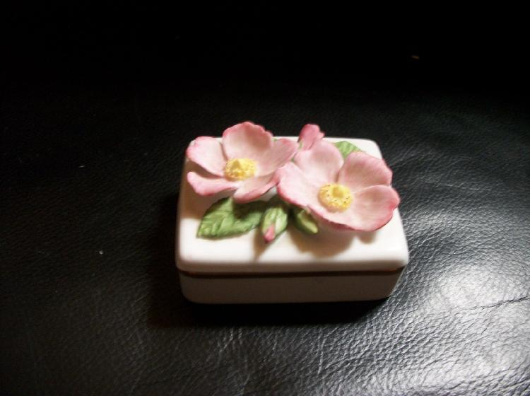 Lenox Virginia Rose Trinket Box