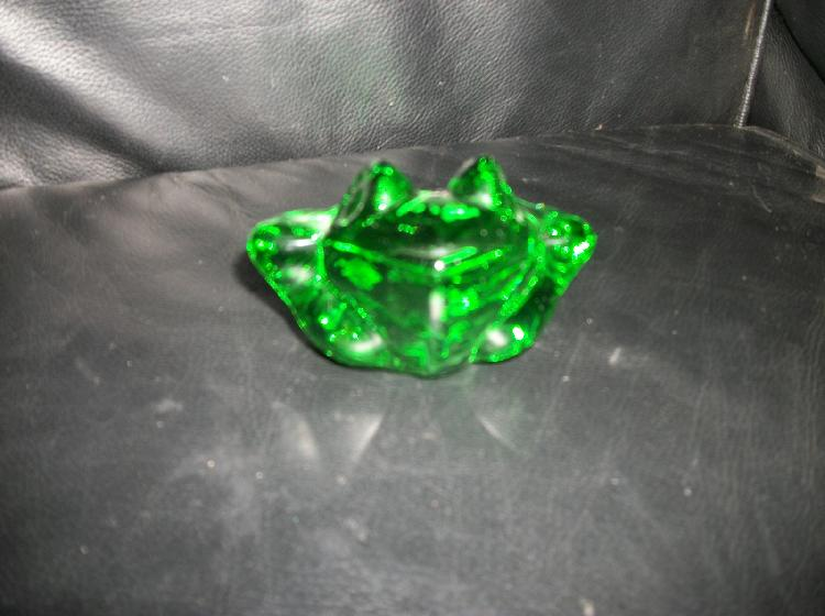 Sylvestri Green Glass Frog