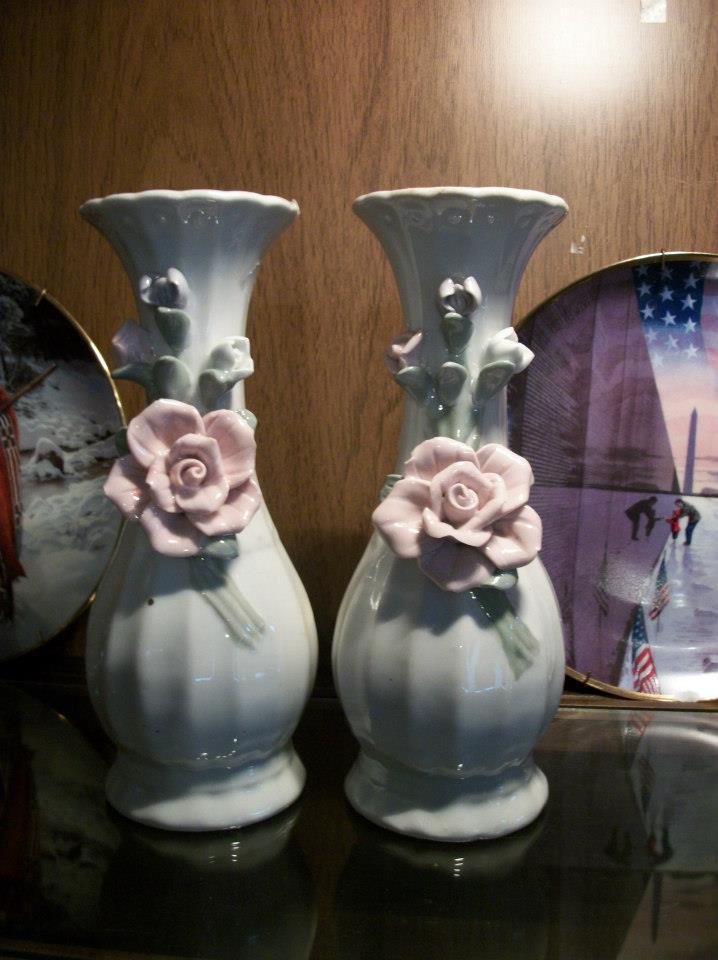 Set of 2 Capodimonte Style Vases