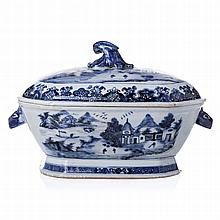 soup tureen in Chinese porcelain, Guangzhou