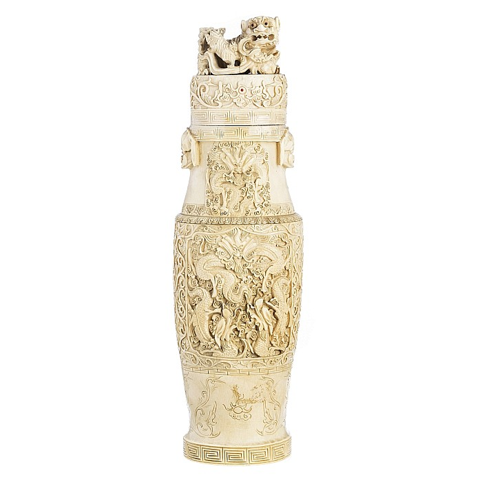 Large chinese dragon vase in ivory