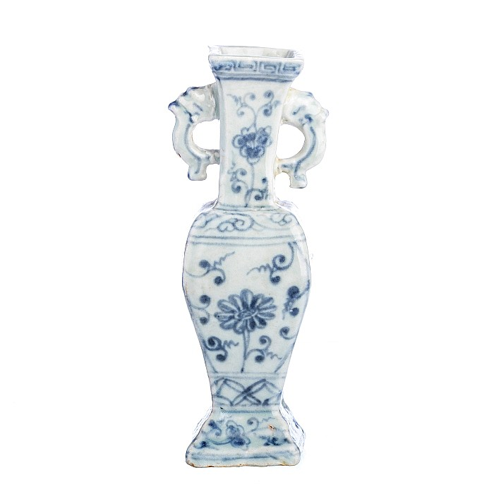 Small vase in Chinese porcelain, Wanli