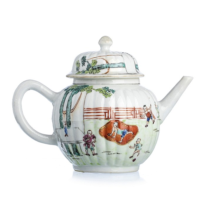 Lobed teapot with boys in Chinese porcelain, Daoguang