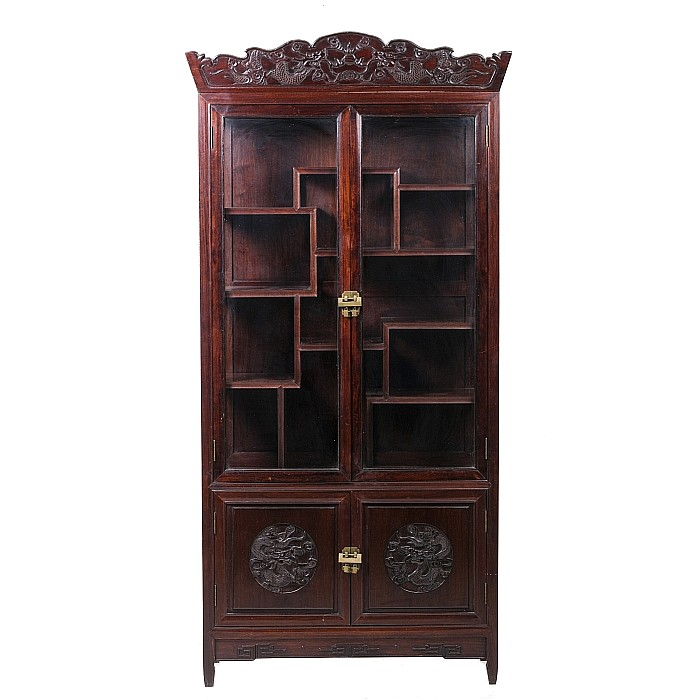 Display cabinet with 'dragons', Minguo