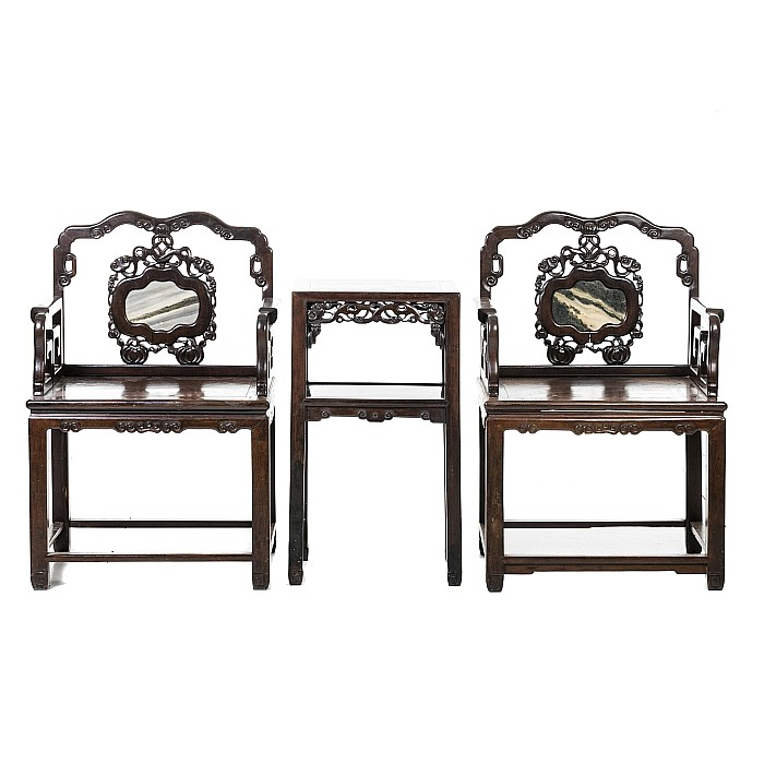 Chinese pair of Hongmu chairs and table, Minguo