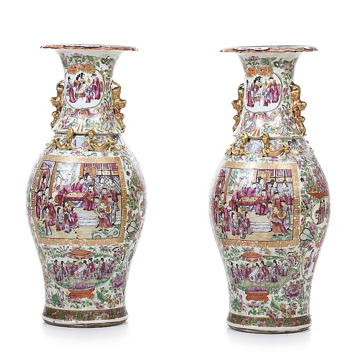 Pair of large vases 'mandarin' in Chinese porcelain
