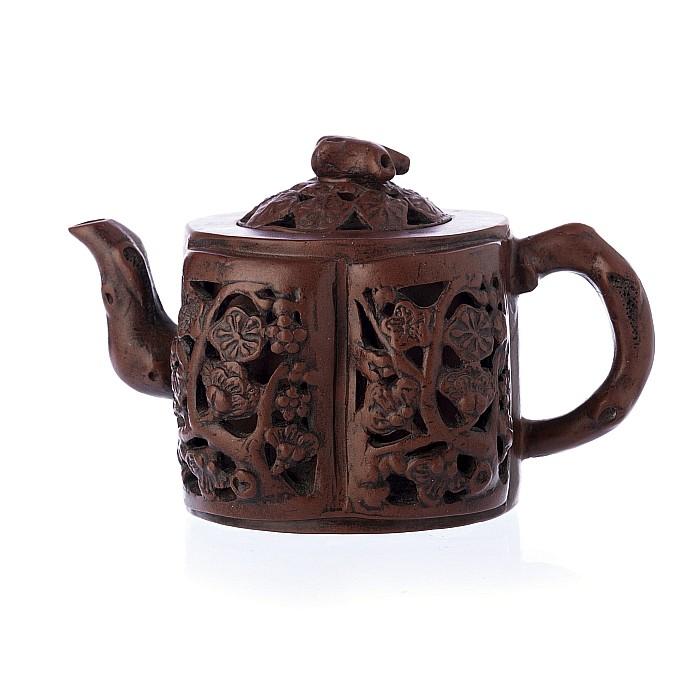 Teapot, lobed, in Chinese ceramic, Yixing, Minguo