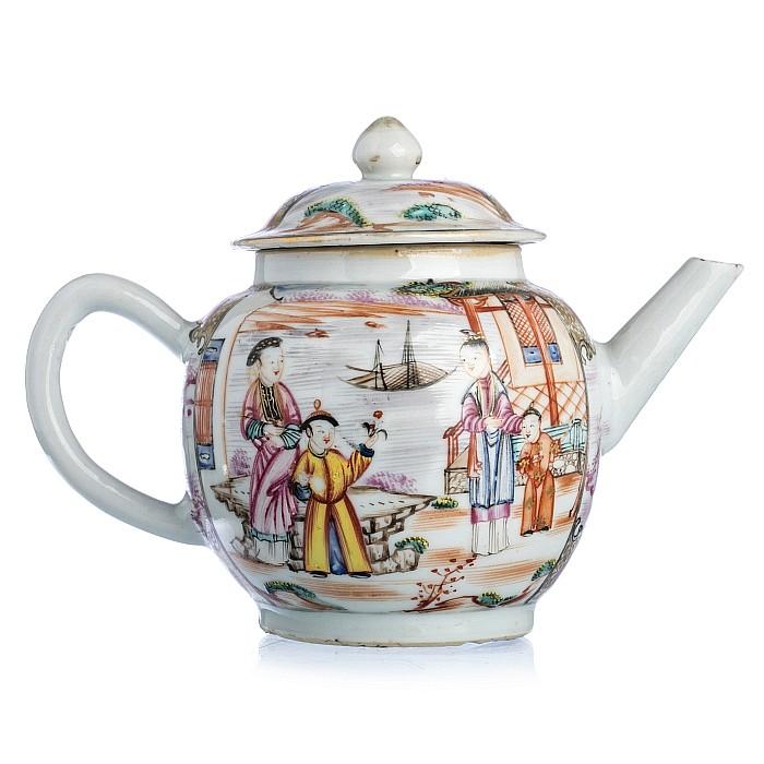 Chinese Porcelain Mandarin Teapot, Qianlong