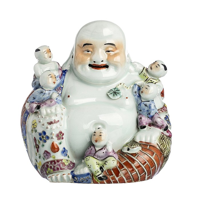 Buddha with small children in Chinese porcelain, Minguo
