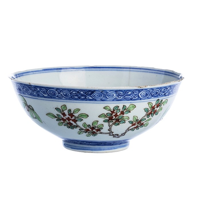 Bowl with 'plum tree blossoms' in Chinese porcelain, Jiaqing