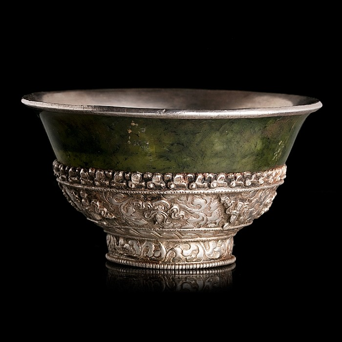 Tibetan bowl with emblems in jade and silver