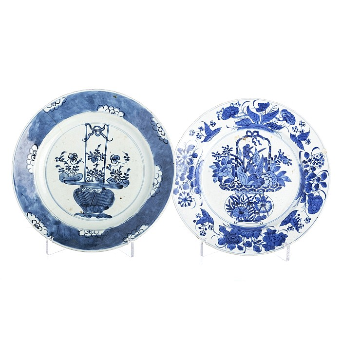 Chinese porcelain, two plates with 'flower vases', Kangxi