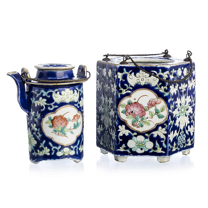 Teapot with a rechaud in Chinese porcelain, Guangxu