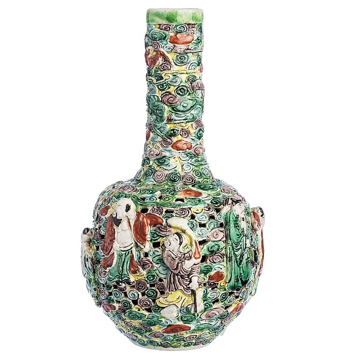 Tianqiu Ping  vase with 'Immortals' in Chinese porcelain, Minguo
