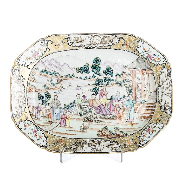 Eight-sided 'Mandarin' long plate in Chinese porcelain, Qianlong