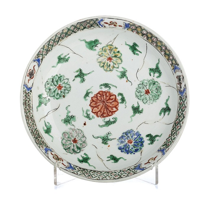 Saucer with a 'lotus' in Chinese porcelain, Kangxi