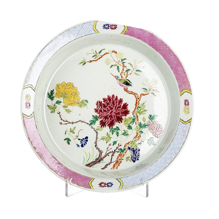Plate with 'peonies' in Chinese porcelain, Daoguang