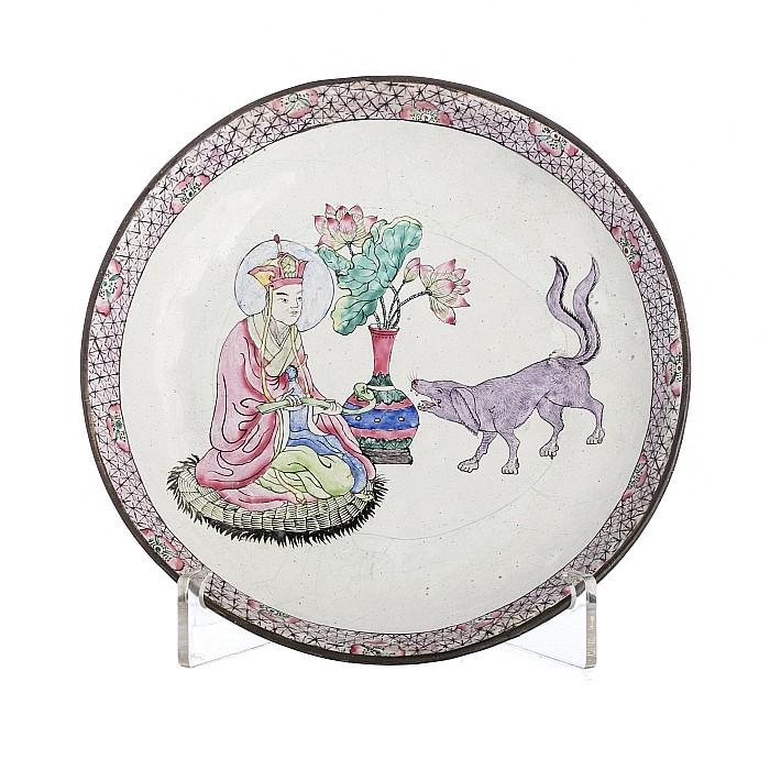 Dish 'Deity with Huli Jing' in Canton enamel, 19thC