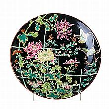 Plate with birds and flowers in Japanese porcelain