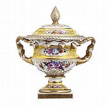 Silvério vase by Vista Alegre