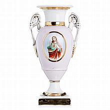 Amphora in porcelain by Vista Alegre