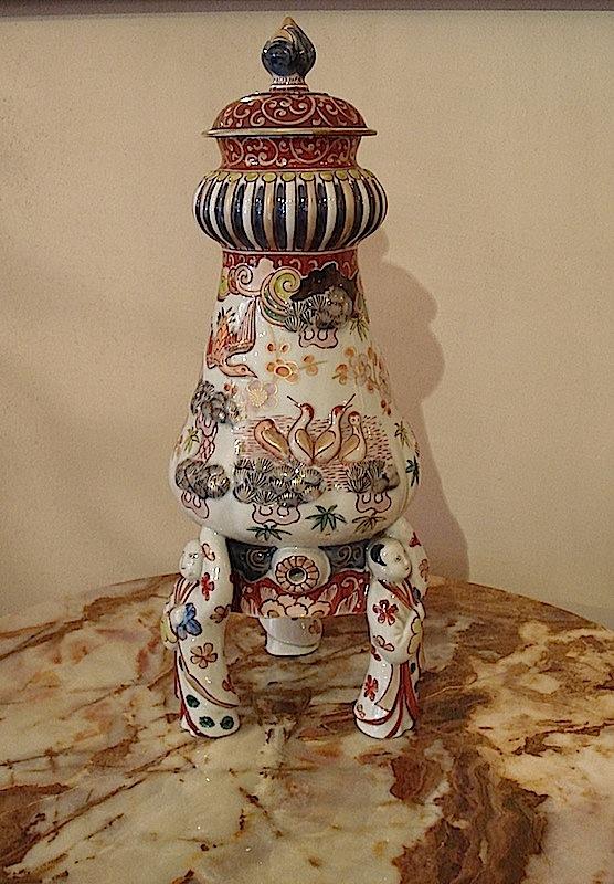 Imari Japanese Sake fountain