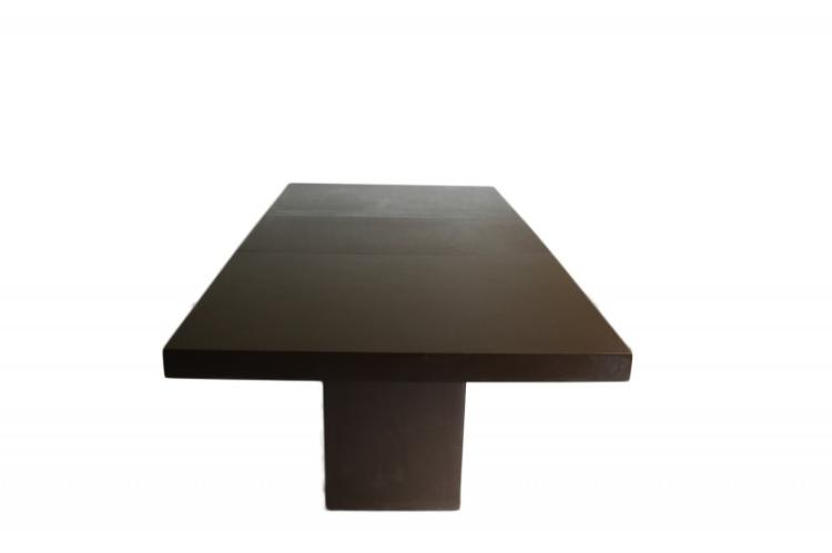 Modern table style of Milo Baughman