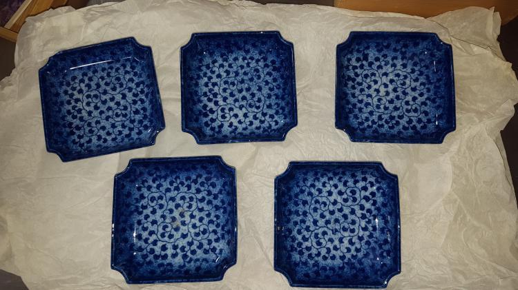 5 Signed Japanese Suishi Plates