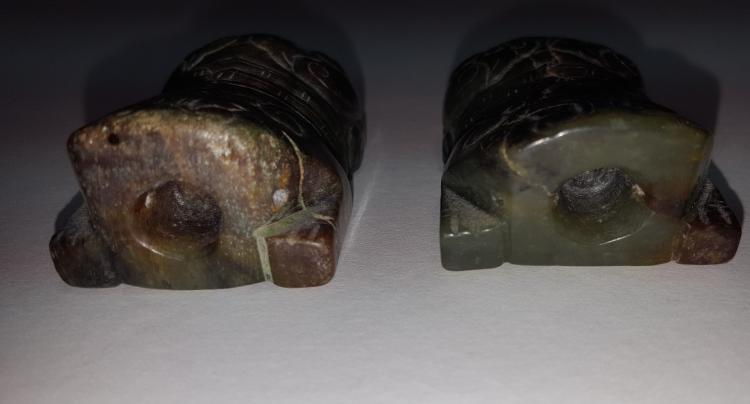 Pair of Jade Beasts Scroll Holder