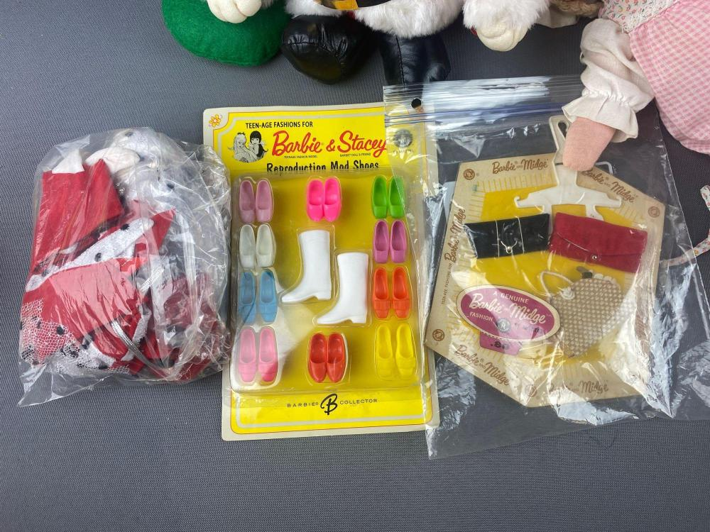 15 piece group of assorted dolls and accessories