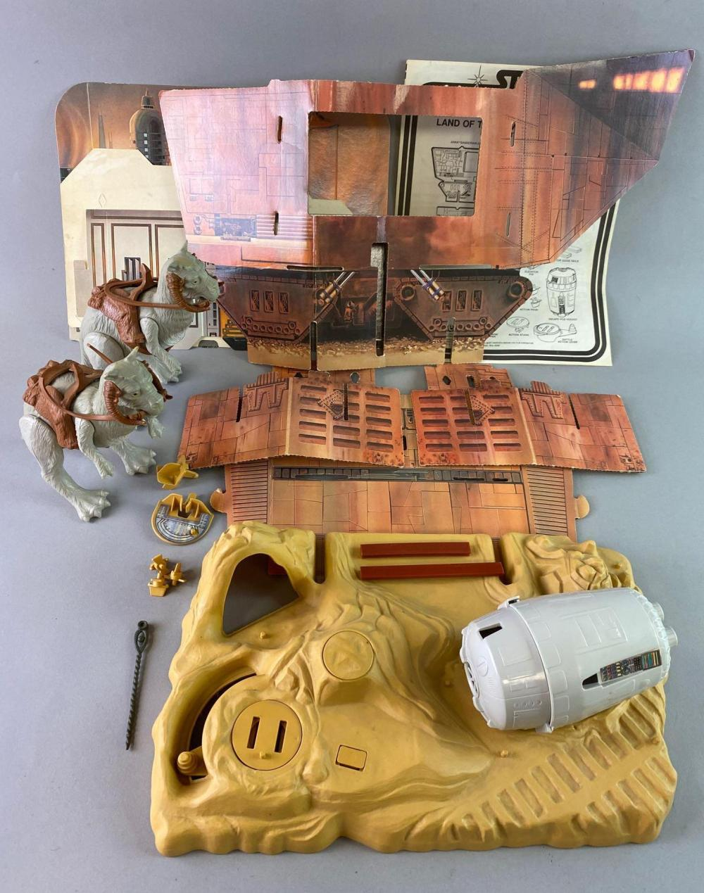 Group of Kenner Star Wars Land of the Jawas Playset