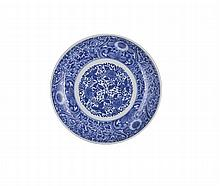 A JAPANESE ARITA BLUE AND WHITE DISH, EDO PERIOD, LATE 17TH / EARLY 18TH CENTURY