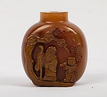CHINESE AGATE SNUFF BOTTLE WITH LAOSHOU
