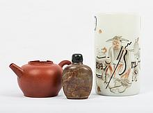 CHINESE TEAPOT, SNUFF BOTTLE, AND BRUSH POT
