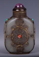 CHINESE SILVER WIRE ENCASED JADE SNUFF BOTTLE