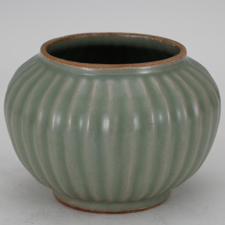 CHINESE CELADON GLAZED JAR