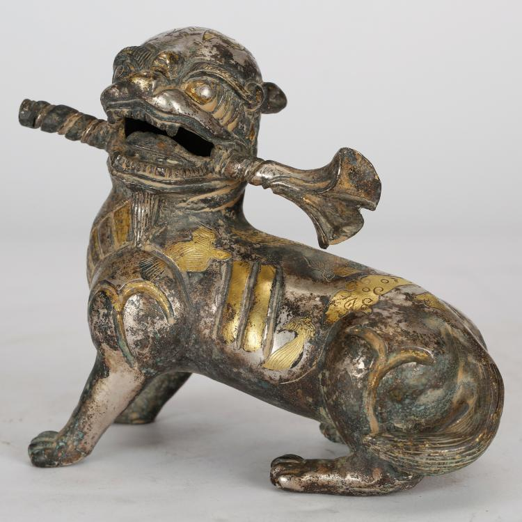 CHINESE ARCHAIC STYLE GILT BRONZE FIGURE OF BEAST