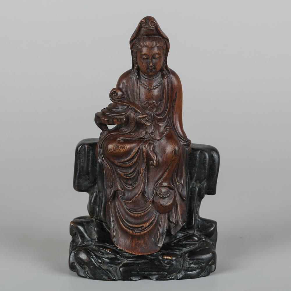 CHINESE CHENXIANG WOOD FIGURE OF GUANYIN