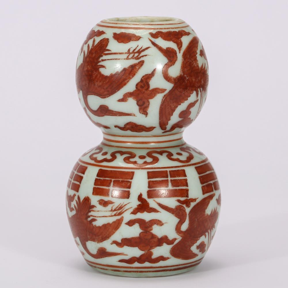 CHINESE IRON RED PORCELAIN GOURD VASE