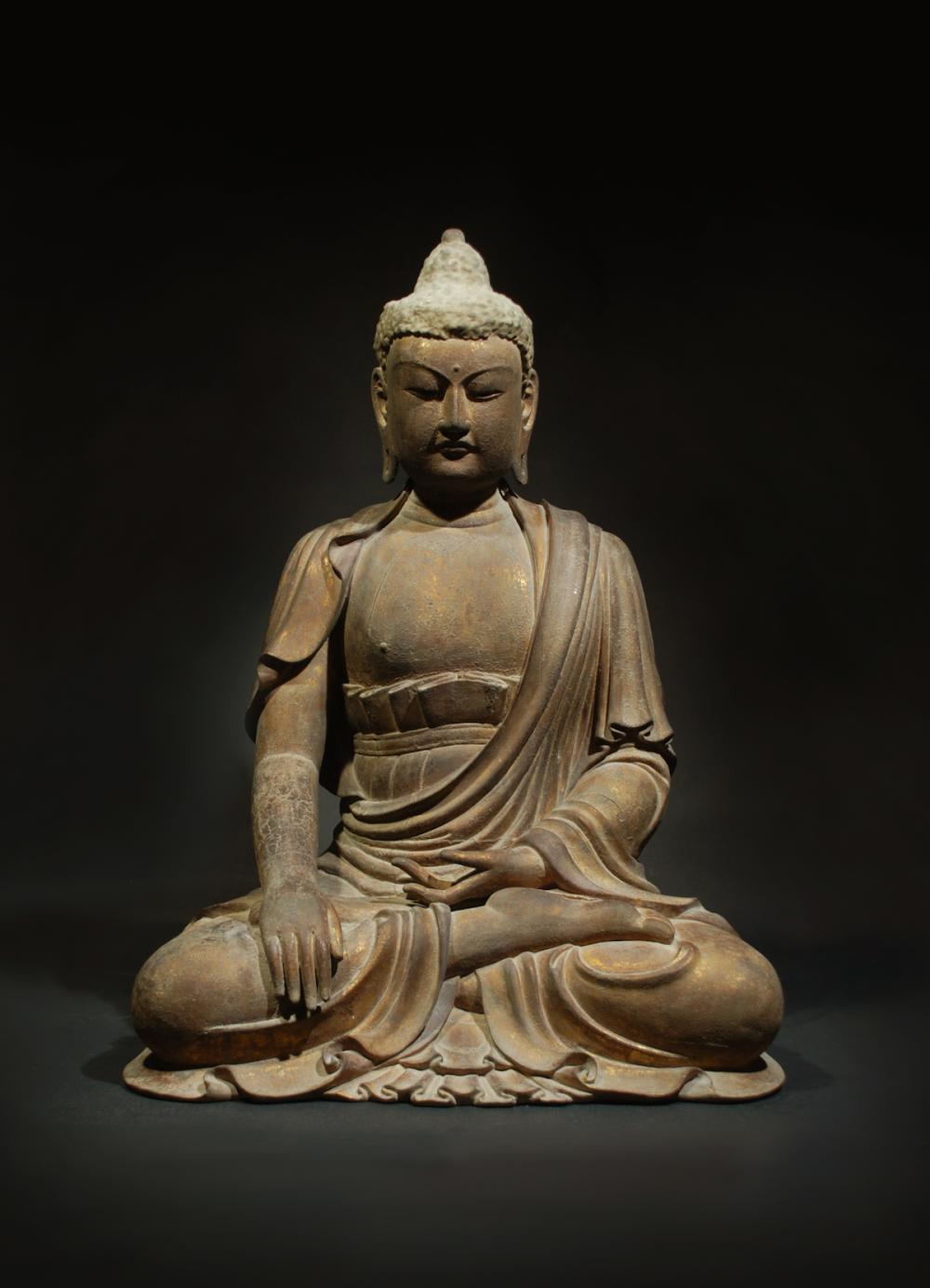 CHINESE LARGE WOOD FIGURE OF SHAKYAMUNI