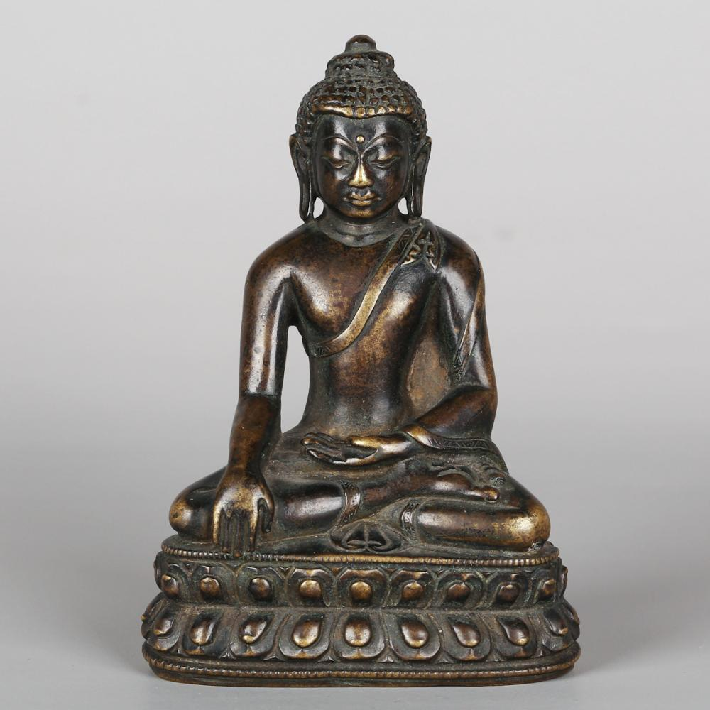 CHINESE BRONZE FIGURE OF SHAKYAMUNI