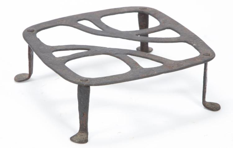 EARLY WROUGHT IRON WARMING TRIVET