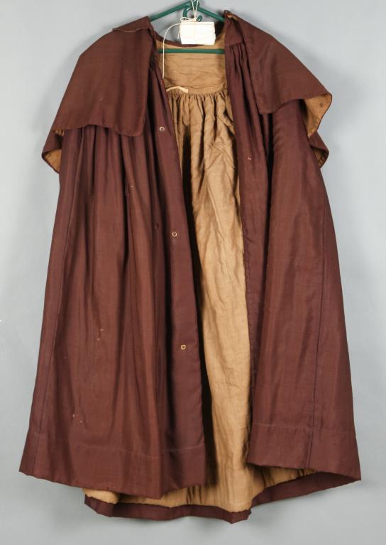 LAYERED WOOL RIDING CLOAK circa 1790-1800