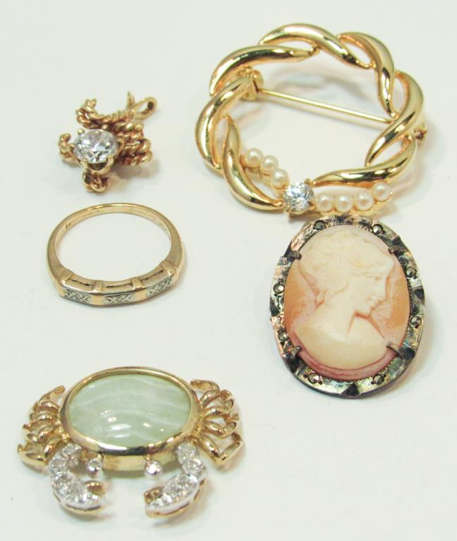 GROUP OF 14K GOLD & COSTUME JEWELRY