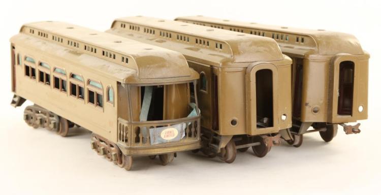 (3) LIONEL TRAIN CARS
