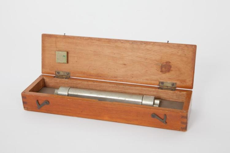 CASED ROLLING RULE by HUGHS OWNES CO CANADA